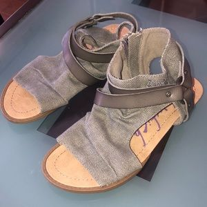 Blowfish grey sandals worn once size 6